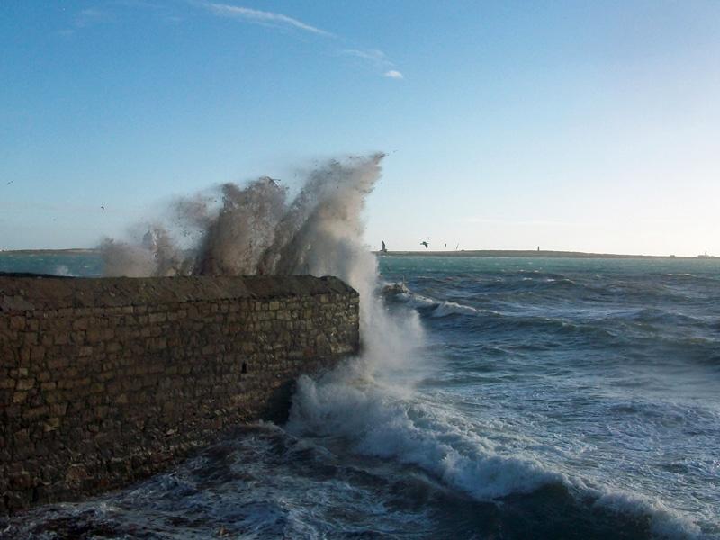 Spring-tide-at-Castletown