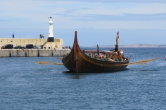 Viking-Longship-arriving-at-Peel